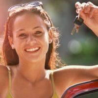 Vier junge Frauen auf Spritztour